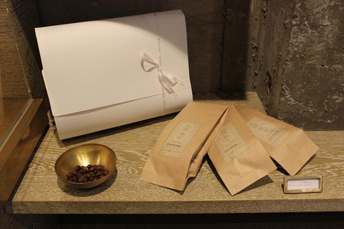 COBI COFFEE STAFF Original Set<br /> 珈琲豆100g×3種類<br /> COBI BREND 100g<br /> ETHIOPIA 100g<br /> GUATEMALA 100g<br /> PRIICE / 2,450+tax