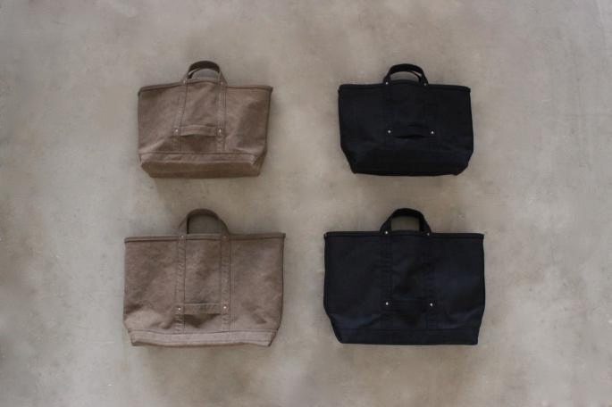 UTO <br /> Tool Tote<br /> COLOR / Brown,Black<br /> SIZE / M,L<br /> Made in Japan<br /> PRICE / 14,000+tax(M),17,000+tax(L)<br /> <br />