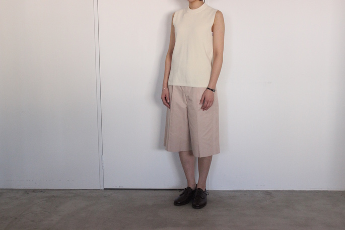 AURALEE<br /> Hard Twist Rib Knit Sleeveless<br /> COLOR / Ivory,Navy<br /> SIZE / 1<br /> Made in Japan<br /> PRICE / 22,000+tax<br /> <br /> Phlannel<br /> C/Silk Grosgrain Wide Trousers <br /> COLOR / White,Pink<br /> SIZE / 0,1<br /> Made in Japan<br /> PRICE / 23,000+tax<br /> <br /> SANDERS<br /> Royal Navy Gibson<br /> COLOR / Brown<br /> SIZE / 4.5,5,5.5<br /> Made in England <br /> PRICE / 43,000+tax