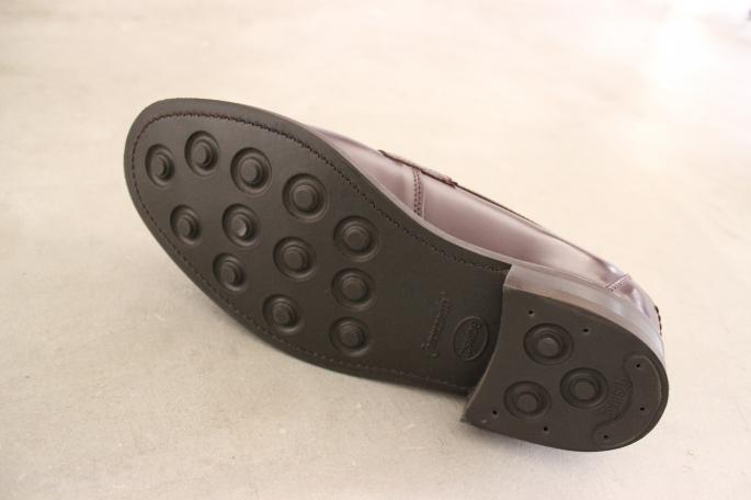 SANDERS<br /> Military Guards Loafer <br /> COLOR / Burgandy<br /> SIZE / 6H,7,7H,8<br /> Made in England<br /> PRICE / 46,000+tax