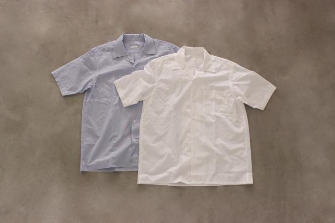 COMOLI<br /> 裏毛Short Sleeve Sweat<br /> COLOR / White,Navy,Top Gray<br /> SIZE / 2<br /> Made in Japan<br /> PRICE / 13,000+tax