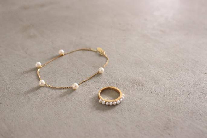 la mome bijou<br /> Necklace<br /> COLOR / Yerrow Gold×淡水Pearl<br /> Made in France<br /> PRICE / 95,000+tax