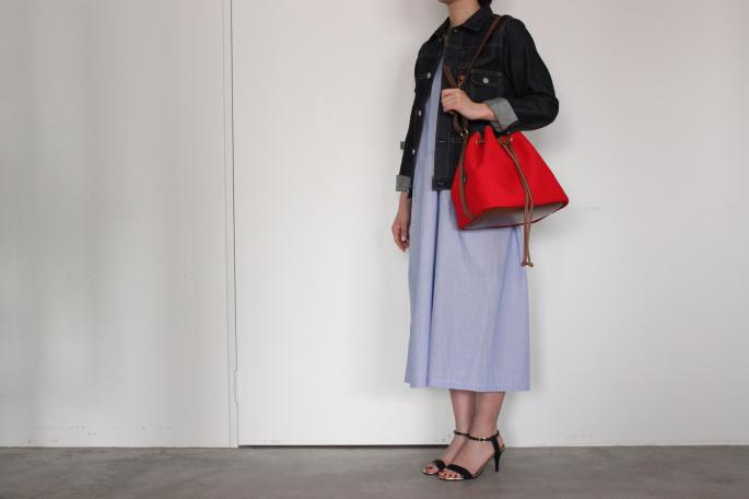 Brady <br /> Calder <br /> COLOR / Red<br /> SIZE / Free<br /> Made in England<br /> PRICE / 29,000+tax<br /> <br />