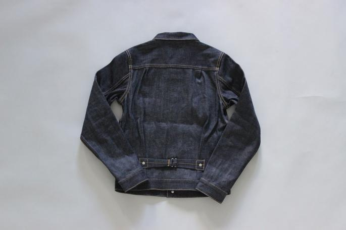 HEIGHT / 159cm<br />