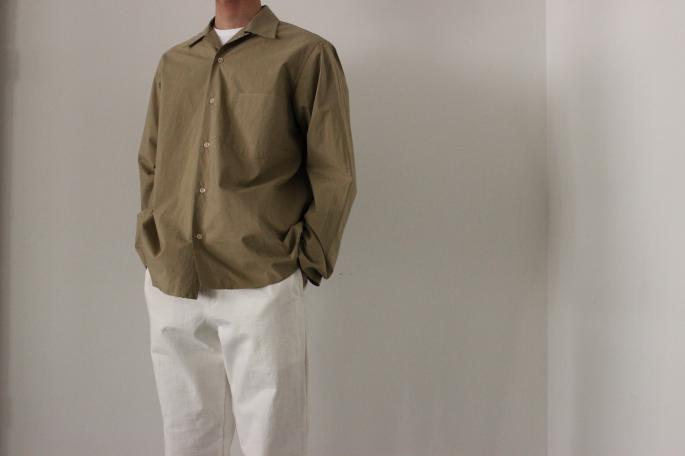 HEIGHT / 169㎝<br /> WEAR SIZE / 3<br /> <br /> AURALEE<br /> Selvedge Weather Clotzh Open Collared Shirts<br /> COLOR / Khaki<br /> SIZE / 3,4<br /> PRICE / 22,000+tax<br /> <br /> Stand UP Easy Pants <br /> COLOR / White,Navy Black<br /> SIZE / 3,4<br /> PRICE / 19,000+tax<br /> <br /> Made in Japan