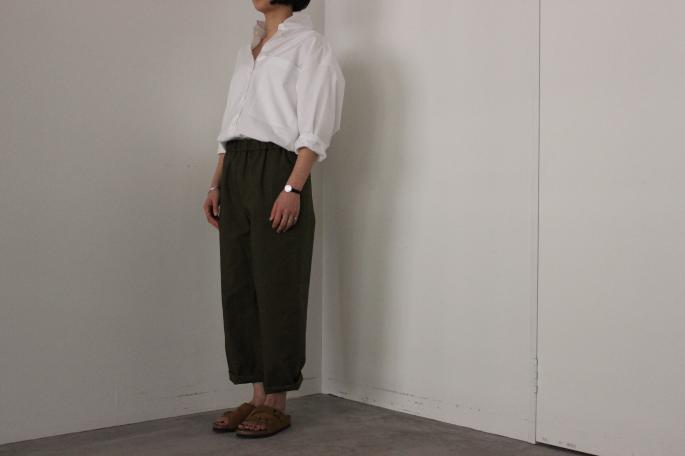 HEIGHT / 155㎝<br /> WEAR SIZE / 0<br /> <br /> SOSO PHLANNEL<br /> High Density Broadcloth Shirt<br /> COLOR / White<br /> SIZE / 34,36<br /> PRICE / 26,000+tax<br /> <br /> Side Pocket Easy Trousers<br /> COLOR / Navy,Khaki<br /> SIZE / 34,36<br /> PRICE / 2,000+tax<br /> <br /> Made in Japan<br /> <br /> BIRKEN STOCK<br /> Zurich<br /> COLOR / Brown<br /> SIZE / 36<br /> Made in Germany<br /> PRICE / 17,000+tax