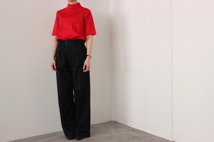 HEIGHT / 155㎝<br /> WEAR SIZE / 0<br /> <br /> Phlannel<br /> Oxford Wide Trousers<br /> COLOR / Navy<br /> SIZE / 0,1,2<br /> PRICE / 24,000+tax<br /> <br /> Swiss Cotton Mockneck T-Shirt <br /> COLOR / White,Navy,Red<br /> SIZE / 0,1<br /> PRICE / 10,000+tax<br /> <br /> Made In Japan