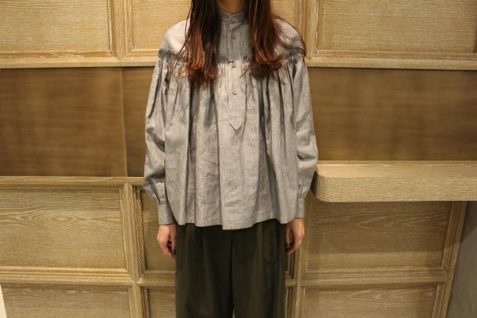 HEIGHT / 165㎝<br /> WEAR SIZE / 36<br /> <br /> Scye<br /> Linen Chintz Tuck Shirts<br /> COLOR / Gray<br /> SIZE / 36,38<br /> Made In Japan<br /> PRICE / 43,000+tax<br /> <br /> Phlannel<br /> C/Cu/Li Twill Gurkha Trousers<br /> COLOR / Khaki,Beige<br /> SIZE / 0,1<br /> Made In Japan<br /> PRICE / 24,000+tax