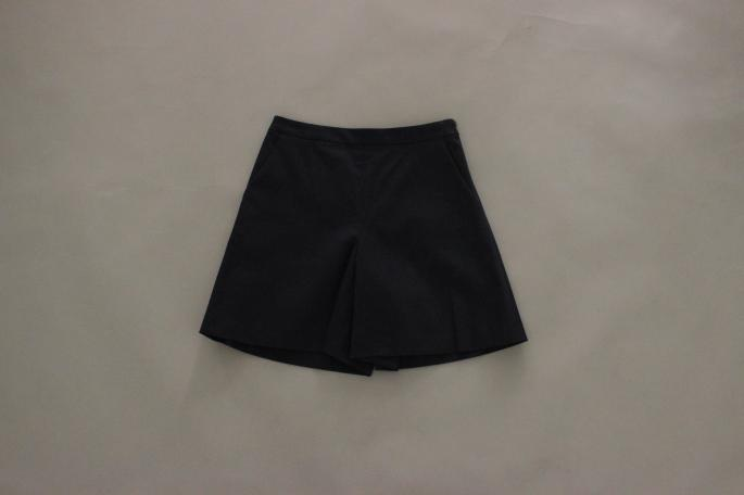 HEIGHT / 165㎝<br /> WEAR SIZE / 34<br /> <br /> SOSO PHLANNEL<br /> High Destiny Pique Shorts<br /> COLOR / Navy<br /> SIZE / 34,36<br /> PRICE / 21,000+tax<br /> <br /> Made In Japan
