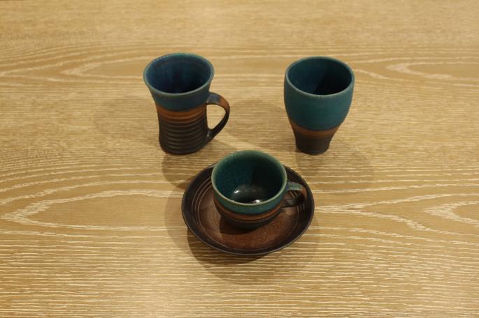 與那原正守<br /> ペルシャマグ大<br /> PRICE/5,200+tax<br /> <br /> ペルシャカップ&amp;ソーサー<br /> PRICE / 5,400+tax<br /> <br /> ペルシャフリーカップ<br /> PRICE/4,200+tax<br /> <br /> Made In Japan