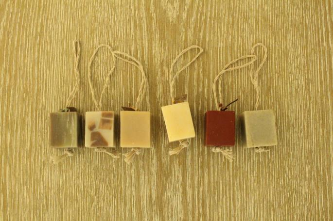 Jabon Edenico<br /> Soap on a rope<br /> COLOR / Bold,Sexy,Balance,Calm,Positive,Clear<br /> Made In Japan<br /> PRICE / 934+tax