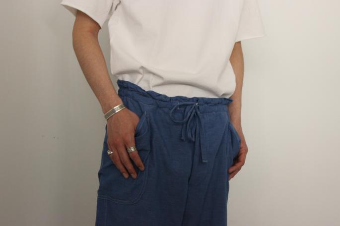 HEIGT / 173㎝<br /> WEAR SIZE / M<br /> <br /> Phlannel<br /> Matelot Jersey T-shirt <br /> COLOR / White,Grey,Black<br /> SIZE / S,M,L<br /> Made In Japan<br /> PRICE / 9,500+tax<br /> <br /> COMOLI<br /> Solid Shan Drawstring Pants<br /> COLOR / Blue<br /> SIZE / 1,2<br /> Made In Japan<br /> PRICE / 29,000+tax<br /> <br /> BIRKENSTOCK <br /> Zurich Narrow Suede Leather<br /> COLOR / Sand<br /> SIZE / 40,41,42<br /> Made in Germany<br /> PRICE / 20,000+tax