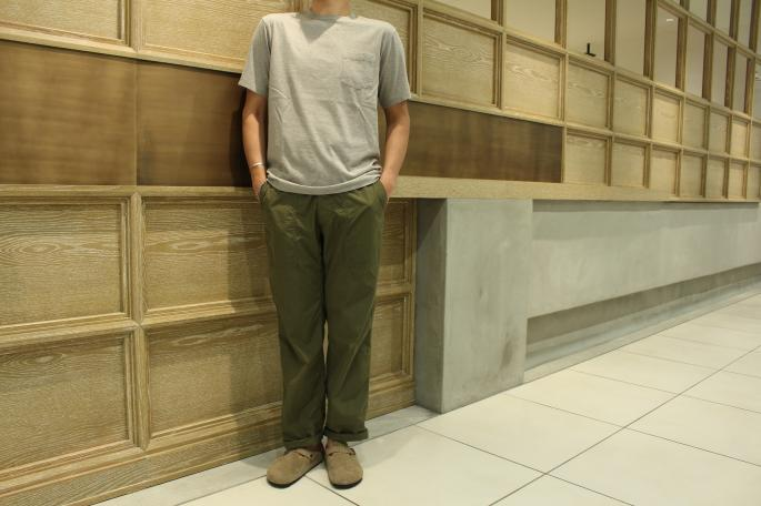 HEIGHT / 175cm<br /> WEAR SIZE / M<br /> <br /> Phlannel<br /> Suvin Cotton Pocket T-shirt<br /> COLOR/White,Gray,Black,Bordeaux,Navy<br /> SIZE/S,M,L<br /> Made In Japan<br /> PRICE/9,500+tax<br /> <br /> Kaptain Sunshine<br /> Easy Utility Trousers <br /> COLOR / Olive<br /> SIZE / 30,32<br /> Made In Japan<br /> PRICE / 25,000+tax<br /> <br /> BIRKENSTOCK <br /> Boston Narrow Suede Leather<br /> COLOR / Toupe<br /> SIZE / 40,41,42<br /> Made in Germany<br /> PRICE / 18,000+tax