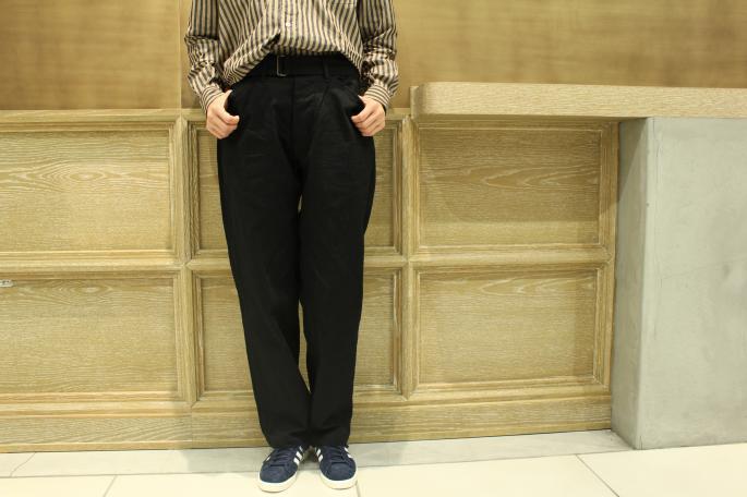 HEIGHT / 165cm<br /> WEAR SIZE / 0<br /> <br /> COMOLI<br /> Band Collar Shirts <br /> COLOR / London Stirpe,Chark Stripe<br /> SIZE / 0<br /> PRICE / 22,000+tax<br /> <br /> Belted Denim Pants<br /> COLOR / Black,Navy<br /> SIZE / 0<br /> PRICE / 27,000+tax<br /> <br /> Made In Japan<br /> <br /> adidas<br /> CP 80s JP PACK VNTG<br /> COLOR / Dark Bule<br /> SIZE / 23,23.5,24.24.5,25<br /> PRICE / 14,000+tax
