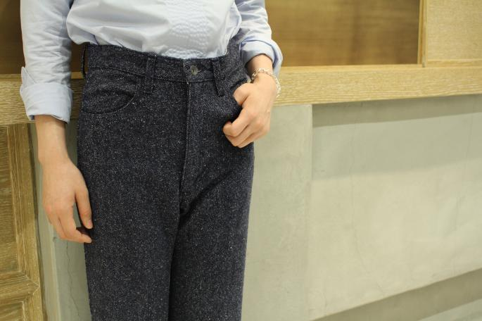 HEIGHT / 164cm<br /> WEAR SIZE / 0<br /> <br /> AURALEE<br /> Silk Denim Flare Pants<br /> COLOR / Navy<br /> SIZE / 0<br /> Made In Japan<br /> PRICE / 32,000+tax<br /> <br /> MARIE MAROT<br /> Mary<br /> COLOR / Blue Sky,Anthracite<br /> SIZE / XS,S<br /> Made In TURKEY<br /> PRICE / 39,000+tax<br /> <br /> GIGI <br /> Artemis Chain Blacelet<br /> COLOR / Gold Silver<br /> SIZE / S<br /> Made In Japan<br /> PRICE / 60,000+tax