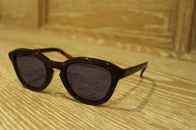 ayame<br /> Koro<br /> COLOR / Demi,Dbr,Mix,Shl,Purple<br /> Made In Japan<br /> PRICE / 30,000+tax