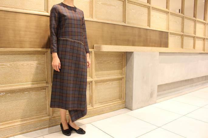 HEIGHT / 166cm<br />