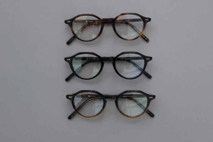 ayame<br /> MANRAY<br /> COLOR / Gold,Silver<br /> SIZE / Free<br /> Made In Japan<br /> PRICE / 38,000+tax
