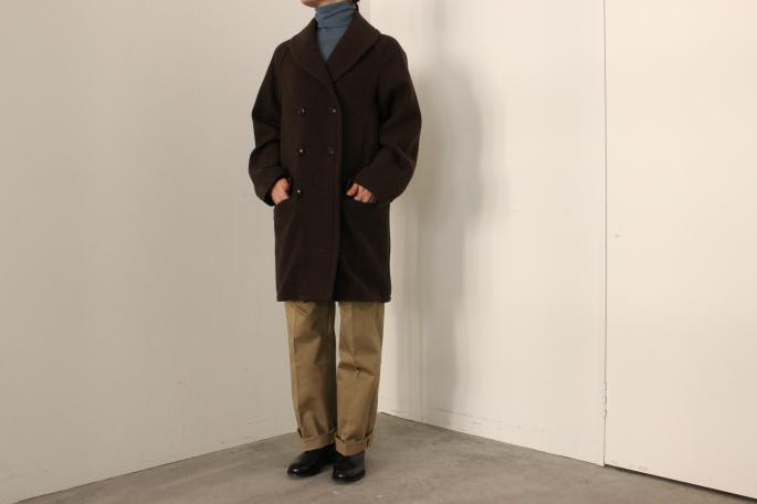 HIGHT / 159cm<br /> WEAR SIZE / 0<br /> <br /> COMOLI<br /> Yak Wool Shawl Collar Coat <br /> COLOR / Brown<br /> SIZE / 0<br /> Made In Japan<br /> PRICE / 120,000+tax<br /> <br /> CristaSeya<br /> Basic Turle Neck Sweater<br /> COLOR / Baby Blue<br /> SIZE / S<br /> Made In France<br /> PRICE / 58,000+tax<br /> <br /> SCYE BASICS<br /> Oxford Bugs<br /> COLOR / Beige<br /> SIZE / 36,38<br /> Made In Japan<br /> PRICE / 26,000+tax<br /> <br /> SANDERS<br /> Chelsea Boot<br /> COLOR /  Black<br /> SIZE / 3,3H,4,4H<br /> Made In England<br /> PRICE / 55,000+tax<br />