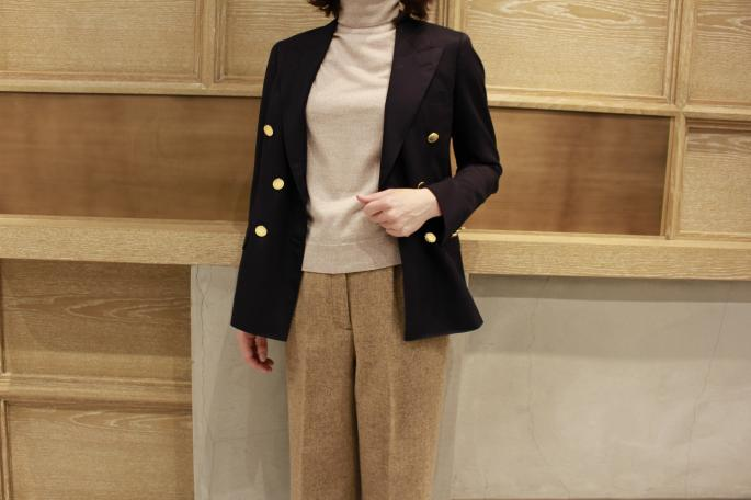 HIGHT / 164cm<br /> WEAR SIZE / S<br /> <br /> JOHN SMEDLEY<br /> Merino Wool Turtle Neck<br /> COLOR / East Wood Beige,Charcoal<br /> SIZE / S<br /> Made In England<br /> PRICE / 31,000+tax<br /> <br /> SOSO PHLANNEL<br /> Tweed Wool Wide Pants<br /> COLOR / Beige,Gray<br /> SIZE / 34,36<br /> Made In Japan<br /> PRICE / 36,000+tax