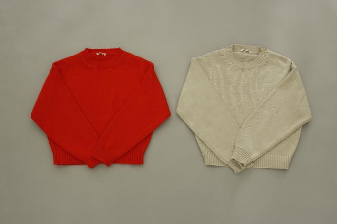 HIGHT / 151cm<br /> WEAR SIZE / 1<br /> <br /> AURALEE<br /> Giza Supersoft Knit P/O<br /> COLOR / Orange,Ivory<br /> SIZE / 1<br /> Made In Japan<br /> PRICE / 28,000+tax<br /> <br /> Phlannel<br /> Li/Co Herringbone  Wide Trousers <br /> COLOR / Ecru,Walnut<br /> SIZE / 0,1<br /> Made In Japan<br /> PRICE / 36,000+tax