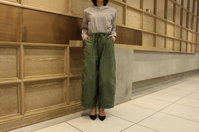 HIGHT / 164cm<br /> WEAR SIZE / 1<br /> <br /> Needles<br /> H.D.Pant-Fatigue<br /> COLOR / Olive,Khaki<br /> SIZE / 1<br /> PRICE / 19,000+tax<br /> <br /> Scye BASICS<br /> Chino Tapered Loosefit Pants<br /> COLOR / Beige<br /> SIZE / 36,38<br /> PRICE / 25,000+tax<br /> <br /> Made In Japan