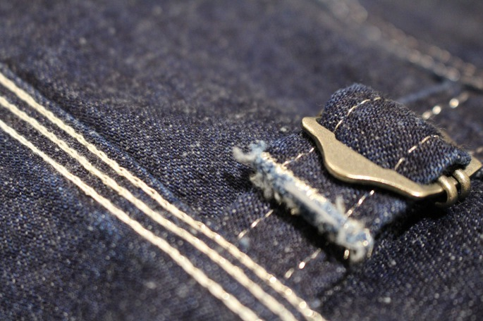HEIGHT / 175cm<br /> WEAR SIZE / M<br /> <br /> Needles<br /> Regullar Engineer Jacket-10oz Denim<br /> COLOR / Indigo<br /> SIZE / S,M<br /> PRICE / 33,000+tax<br /> <br /> Banded Collar EDW Shirt-C/L Stripe Broad Cloth<br /> COLOR / Beige,Blue<br /> SIZE / S,M<br /> PRICE / 16,000+tax<br /> <br /> Made In Japan<br /> <br /> ts(s) <br /> Asymmetry Line Track Pants<br /> COLOR / Gray Khaki,Navy<br /> SIZE / 1,2<br /> Made In Japan<br /> PRICE / 21,000+tax<br /> <br /> forme <br /> Barmoral Straight Tip<br /> COLOR / Black<br /> SIZE / 5,5h,6,6h<br /> Made In Japan<br /> PRICE / 66,000+tax