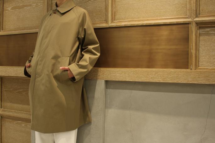 HIGHT / 166cm<br /> WEAR SIZE / 0<br /> <br /> COMOLI<br /> Cotton Gabardine Bal Collar Coat<br /> COLOR / Khaki<br /> SIZE / 0<br /> PRICE / 98,000+tax<br /> <br /> Scye<br /> Ticking Stripe Colorless Shirt<br /> COLOR / Blue Stripe<br /> SIZE / 36,38<br /> PRICE / 26,000+tax<br /> <br /> Phlannel<br /> West Point Wide Trousers<br /> COLOR / White,Beige<br /> SIZE / 0,1<br /> PRICE / 19,000+tax<br /> <br /> KATIM<br /> KOTTO<br /> COLOR / Urushi<br /> SIZE / 35.5,36,36.5,37,37.5<br /> PRICE / 44,000+tax<br /> <br /> Made In Japan<br /> <br /> VINTAGE<br /> CELINE Bag<br /> PRICE / 39,000+tax