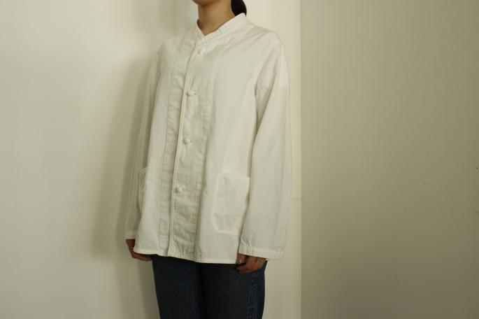 HIGHT / 155cm<br /> WEAR SIZE / XS<br /> <br /> needles<br /> Oriental Button Stand Collar Coverrall <br /> COLOR / White,Indigo<br /> SIZE / XS<br /> Made In Japan<br /> PRICE / 29,000+tax