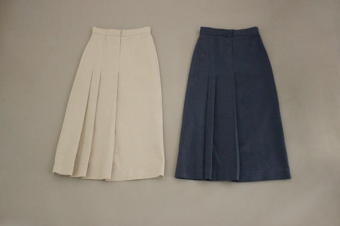 HIGHT / 151cm<br /> WEAR SIZE / M,XS<br /> <br /> Seya.<br /> paper sweater<br /> COLOR / Navy,Grey<br /> SIZE / M<br /> PRICE / 52,000+tax<br /> <br /> sashiko skirt<br /> COLOR / Blue,Dune<br /> SIZE / XS,S<br /> PRICE / 65,000+tax<br /> <br /> Made In Italy<br /> <br /> forme<br /> Blucher Plain Toe<br /> COLOR / Black<br /> SIZE / 21/2,3,31/2,4<br /> PRICE / 58,000+tax<br /> <br /> Made In Japan<br />
