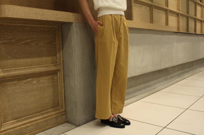 HIGHT / 165cm<br /> WEAR SIZE / S<br /> <br /> GALLEGO DESPORTES<br /> Gaberdine Pants<br /> COLOR / Beige,Navy<br /> SIZE / S<br /> Made In France<br /> PRICE / 30,000+tax<br /> <br /> Phlannel<br /> Ra/Co/Si Mockneck Knit<br /> COLOR / White,Navy,Beige<br /> SIZE / 0,1<br /> Made In Japan<br /> PRICE / 21,000+tax<br /> <br /> Le Yucca's<br /> Bit Slip-on Shoes<br /> COLOR / Black<br /> SIZE / 35.5,36,36.5,37,37.5,38<br /> Made In Italy<br /> PRICE / 126,000+tax