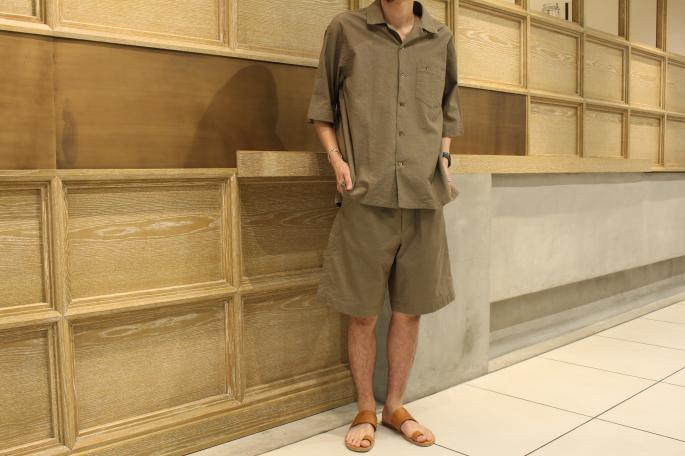 HEIGHT / 169cm <br />