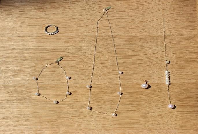 la mome bijou<br /> <br /> Mini Pearls Phalanx Ring<br /> PRICE / 90,000+tax <br /> <br /> Charm Pearls Brcelet<br /> PRICE / 77,000;tax <br /> <br /> Charm Pearls Necklace<br /> PRICE / 95,000+tax <br /> <br /> Pendant  Pearls Earring<br /> PRICE / 96,000+tax <br /> <br /> All Made in France