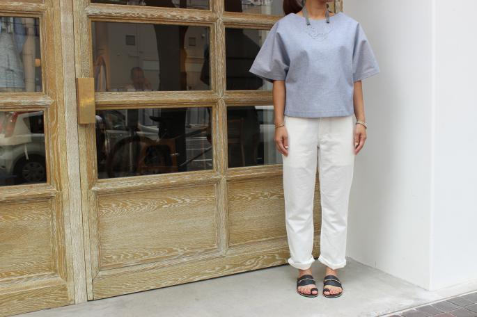 ALASDAIR<br /> Split Back Shirt <br /> COLOR / Denim<br /> SIZE / 0.1<br /> PRICE / 40,000+tax ⇒ 20,000+tax (50%off) <br /> <br /> niuhans<br /> Cotton Ramie Pants <br /> COLOR / White,Beige<br /> SIZE / 0,1(White 1 Only)<br /> Made in Japan<br /> PRICE / 26,000+tax ⇒ 13,000+tax (50%off) <br /> <br /> SIRISIRI<br /> Necklace<br /> COLOR / Clear×Gray(Ribbon)<br /> SIZE / Free<br /> Made in Japan<br /> PRICE / 45,000+tax<br /> <br /> SARTORE<br /> Flat Sandals<br /> COLOR / Navy<br /> SIZE / 35.5,36.5,37.5<br /> PRICE / 62,000+tax ⇒ 31,000+tax (50%off) <br />