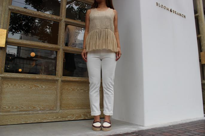SARA LANZI<br /> Blouse<br /> COLOR / Ecru<br /> SIZE / XS<br /> Made in Italy<br /> PRICE / 63,000+tax ⇒31,500+tax ( 50%off )