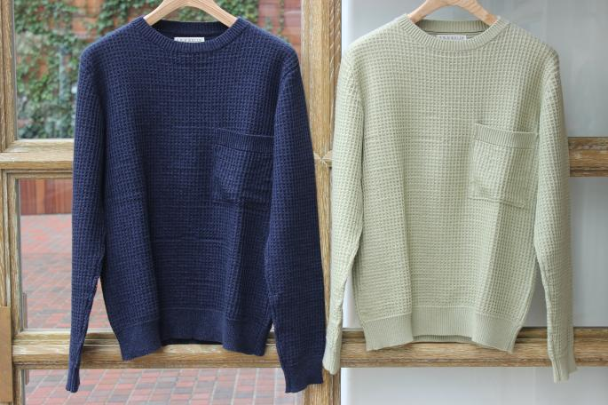 S.E.H KELLY <br /> Super soft cotton crew neck knit by Corgi <br /> COLOR / Navy,Green<br /> SIZE / S,M<br /> Made in ENGLAND<br /> PRICE / 69,000+tax→34,500+tax(50%OFF)<br /> <br />