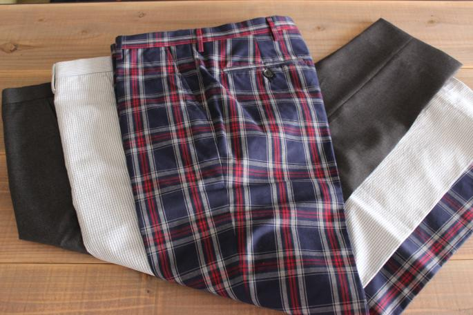 Equipage<br /> Slacks<br /> COLOR / Check (Right)、Stripe(Center)、Gray(Left)<br /> SIZE / 44,46,48<br /> Made in Italy<br /> PRICE / 26,000+tax(Right)→13,000+tax(50%OFF)、22,000+tax(Left , Center)→11,000+tax(50%OFF)<br />