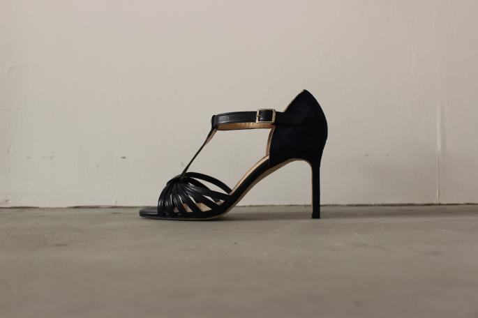MANOLO BLAHNIK × BLOOM&BRANCH<br /> T-Strap Sandal<br /> COLOR / Navy<br /> Made in ENGLAND<br /> PRICE / 118,000+tax→ 59,000+tax(50%OFF)<br /> <br /> ayame<br /> MEW<br /> COLOR / Black,Classic Leopard<br /> Made in Japan<br /> PRICE / 33,000+tax<br /> ※7/28 RELEASE