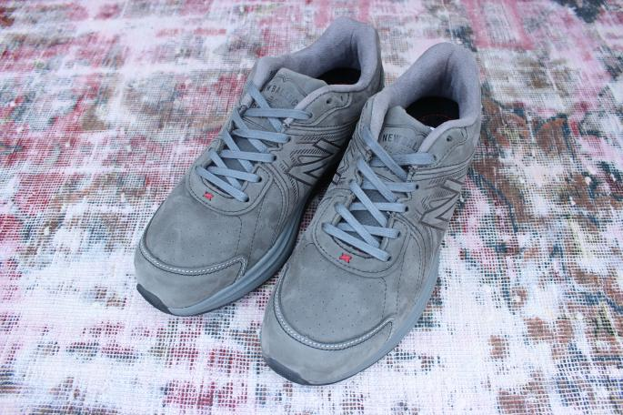 new balance<br /> M2040 GL2<br /> SIZE / 8,9H<br /> Made in USA<br /> PRICE / 39,000+tax→27,300+tax(30%OFF)<br /> <br /> <br />