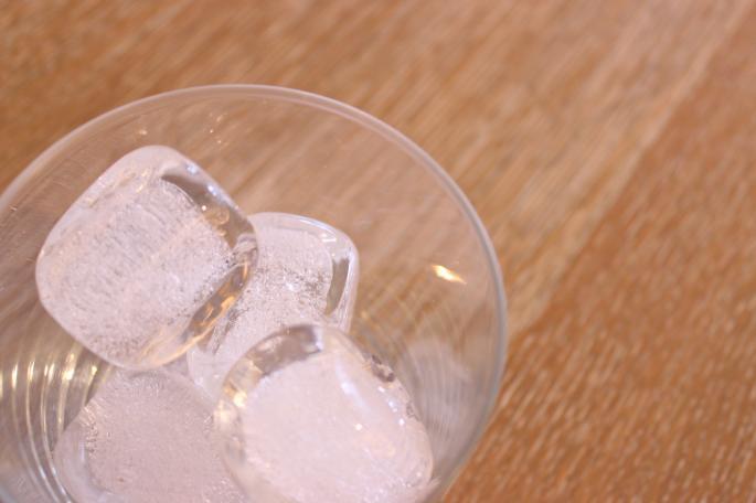 船山理也子<br /> Snow Cube<br /> Made in JAPAN<br /> PRICE / 1,000+tax