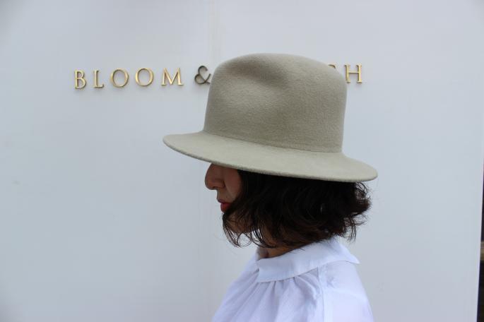 KIJIMA TAKAYUKI <br /> Beaver Hat<br /> COLOR / Navy,Dark Brown<br /> SIZE / 1.2<br /> Made in Japan<br /> PRICE / 35,000+tax <br /> <br />