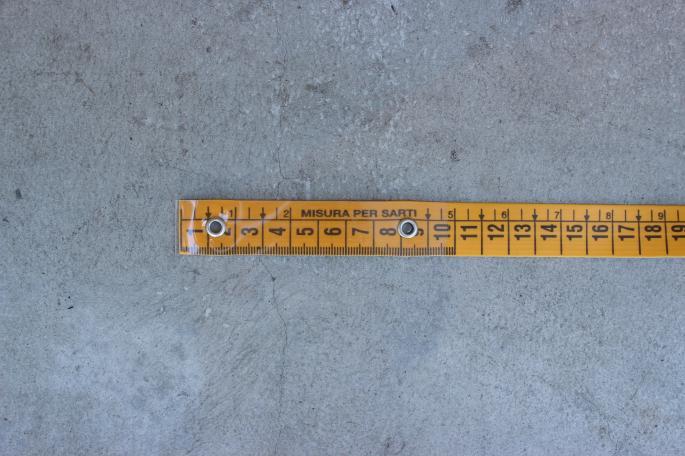 MISURA PER SALTI<br /> Measure<br /> COLOR / yellow×white<br /> SIZE / Free<br /> Made in Italy<br /> PRICE / 1,200+tax<br /> <br />