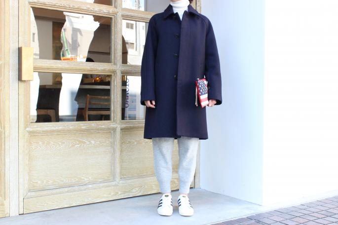 COMOLI<br /> Soutiencollar coat <br /> COLOR / Navy<br /> SIZE / 0<br /> PRICE / 98,000+tax<br /> <br /> Phlannel<br /> Extrafine lambknit trousers <br /> COLOR / Offwhite,Gray<br /> SIZE / 0,1<br /> PRICE / 21,000+tax<br /> <br /> TOTeM Salvaged<br /> Flag Pouch<br /> SIZE / One Size<br /> PRICE / 30,000+tax <br /> <br /> adidas  Originals <br /> Super star<br /> COLOR / White×Black<br /> SIZE / 23H,24,24H,25<br /> PRICE / 14,000+tax