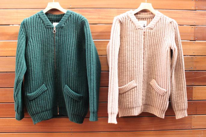 A Kind of Guise<br /> Hakan Knit Blouson<br /> COLOR / Green、Camel<br /> SIZE / S,M<br /> Made in Germany<br /> PRICE / 46,000+tax<br /> <br /> A Kind of Guise<br /> Saray Shirt<br /> COLOR / Sax<br /> SIZE / S,M<br /> Made in Germany<br /> PRICE / 25,000+tax<br />