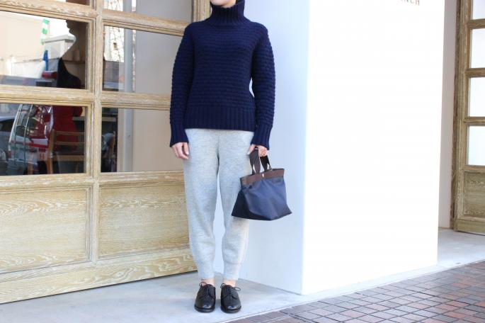 Phlannel<br /> Cashmere Popcorn Stitch Turtle Neck <br /> COLOR / Gray,Navy<br /> SIZE / 1<br /> Made in Japan<br /> PRICE / 49,000+tax<br /> <br /> Phlannel<br /> Knit Trousers<br /> COLOR / Off White,Gray<br /> SIZE / 0,1<br /> Made in Japan<br /> PRICE / 21,000+tax<br /> <br /> Herve Chapelier <br /> Medium tote<br /> COLOR / Navy<br /> SIZE / Free<br /> Made in France<br /> PRICE / 25.000+tax<br /> <br /> SANDERS<br /> RoyalNavyGibson<br /> COLOR / Bordeaux,Black<br /> SIZE / 4.5,5,5.5<br /> Made in England<br /> PRICE / 43.000+tax