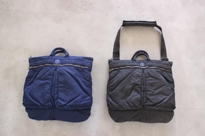 Porter Classic <br /> Super Nylon Helmet Bag<br /> COLOR / Blue,Black<br /> SIZE / Free<br /> Made in Japan<br /> PRICE / 36,000+tax <br />