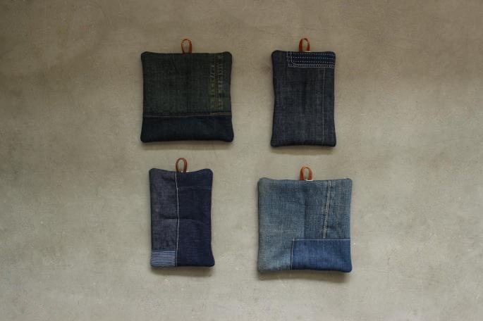 UTO<br /> 鍋敷き、鍋つかみ <br /> Made in Japan<br /> PRICE / 2,800+tax (正方形、長方形共に)<br />