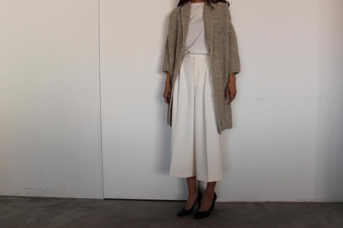 SOSO PHLANNEL<br /> Gaucho Pants<br /> COLOR / White,Navy<br /> SIZE / 34.36<br /> PRICE / 26,000+tax<br /> <br /> Made In Japan