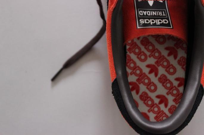adidas <br /> TRINIDAD&TOBAGO <br /> COLOR / Red×Black<br /> SIZE / 26,27,28<br /> PRICE / 15,000+tax