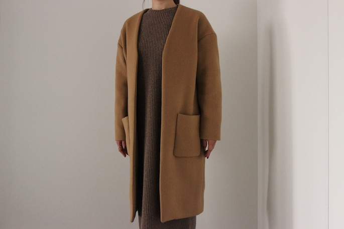 SOSO PHLANNEL<br /> <br /> Rib Knit Dress<br /> COLOR /Charcoal Gray,Brown<br /> SIZE / 36<br /> PRICE / 29,000+tax<br /> <br /> Melton Collarless Coat<br /> COLOR / Navy,Camel<br /> SIZE / 34,36<br /> PRICE / 58,000+tax<br /> <br /> Made In Japan